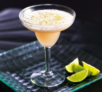 4 Classic Summer Cocktails & how to photograph them lime