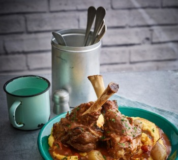 Why do we need props in food photography ?  Plate and mug